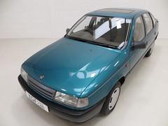 1992 Vauxhall Cavalier Mk3 1.6L (KGF Classic Cars) Tags: kgfclassiccars vauxhall cavalier l gl automatic mk1 mk2 mk3 16 13 20 sri lotus turbo gsi lxi expression lagoonblue ohc carlton astra retro oldskool manta gte opel nova
