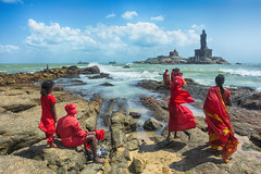 Kanyakumari view (Feca Luca) Tags: street reportage beach water people india asia hindu nikon outdoor