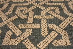 Pavement (H&T PhotoWalks) Tags: pavement praçadosrestauradores lisboa lisbon portugal pattern street city square canoneos400d sigma18250 mosaic tan x2