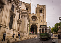 Lisbon Cathedral (dlerps) Tags: daniellerps europe lerps lisboa lisbon portugal sigma sony sonyalpha sonyalphaa77 lerpsphotography pt chruch building architecture cathedral catholism catholic religion alfama tram traffic tracks street road trasport trasportation publictransport train