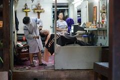 hair surgery (the foreign photographer - ฝรั่งถ่) Tags: barber shop beauty salon man reclining beautician chair khlong thanon portraits bangkhen bangkok thailand nikon d3200