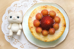 Mello's Birthday Cheesecake (little ♡ lovelies) Tags: handmade felted mini plush kitty cat minimemello newyork cheesecake strawberry sunshine raspberries