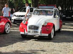 Citroen 2CV6 Dolly G852 BBL (Andrew 2.8i) Tags: queen queens square bristol breakfast club car cars classic classics show meet french 2cv 2 cv cv6 2cv6 citroen