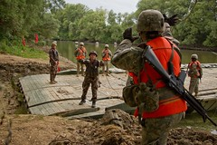 Szentes Axe 17 in Gyor, Hungary July 4, 2017 (U.S. Army Europe) Tags: 2cr strongeurope 1squadron2dcavalryregiment 2dcavalryregiment 37thengineerregiment 837thengineers alwaysready dragoonguardian dragoons europe gyorhungary hungariandefenseforces ohionationalguard saberguardian17 stryker szentesaxe17 taskforcewareagle usarmy usareur mobilebridge rivercrossing