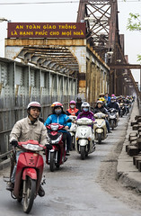 Long Biên Bridge (Greg Rohan) Tags: trainbridge bridge longbiênbridge d7200 2017 photography bike commute bikers riders scooter scooters hanoi vietnam asia