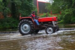 IMG_0473 (Yorkshire Pics) Tags: 1006 10062017 10thjune 10thjune2017 newbyhalltractorfestival ripon marchofthetractors marchofthetractors2017 ford fordcrossing river rivercrossing tractor tractors farmingequipment farmmachinery agriculture yorkshire northyorkshire