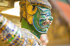 Gold Demon (Ynosang photo) Tags: bangkok thailande thailand temple palais royal statue démon bokeh sony a7 nikkor ynosang synopsis