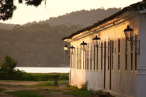 brazil-paraty-early-morning-light-copyright-pura-aventura-thomas-power
