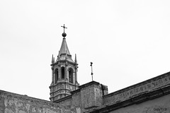 El campanario (Gaby Fil Φ) Tags: arequipa perú sudamérica catedraldearequipa sillar arquitectura arquitecturacolonial iglesias catedrales blancoynegro patrimoniodelahumanidad ph560 torres campanarios