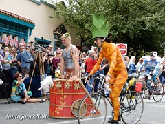 DSCN2130 (IantoJones2006) Tags: fremont solstice cyclists 2017 naked bike seattle parade nude painted body paint bicycle