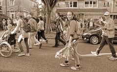 2017 Avondvierdaagse (Steenvoorde Leen - 4 ml views) Tags: 2017 doorn utrechtseheuvelrug avondvierdaagse people utrecht wandelen wandeltocht scholen kids girls boys wandelroute leraar spazieren promenieren walking 2017avondvierdaagsedoorn basischool schoolgirls schoolboys wereldkidz worldkids