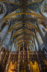 Gothic vaults, Albi (andbog) Tags: sony alpha ilce a6000 sonya6000 emount mirrorless csc sonya sonyα sonyalpha sony⍺6000 sonyilce6000 sonyalpha6000 ⍺6000 ilce6000 architettura architecture building edificio church chiesa iglesia catedral cathedral cattedrale indoor interior handheld gothic inner window finestra stainedglass apsc windows finestre manual mf manualfocus primelens manualfocusing samyang samyang12mmf20ncscs 12mmf20 12mm f20 wideangle colonne columns ceiling volta vaults bóvedas voûtes crucero crociera crossing