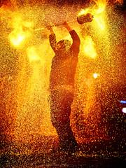 Extraschicht 2017 (Christoph Kampf) Tags: feuervogel dampf feuer theater show cool fire sparks theatre live dangeroberhausen extraschicht ruhrgebit deutschlang germany d700 85mm 85 18 nikon nikkor christoph kampf christophkampf dark evening light lightshow fireshow fireplay play act art