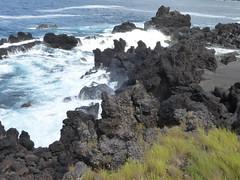 San Roque do Pico 170611_257 (jimcnb) Tags: 2017 juni urlaub azoren azores açores pico picoisland sanroquedopico coast rocks brandung