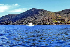 Heavy-Duty-Ferry on Lake Titicaca (gerard eder) Tags: world travel reise viajes america südamerika sudamérica sudamerica bolivia lake landscape landschaft lago lagotiticaca titicacalake titicaca titicacasee ferry fähre see wasser water outdoor natur nature