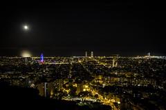 Bunkers. Barcelona. (Alejandrillo93) Tags: barcelona canon 550d 1855 dslr night bunker moon