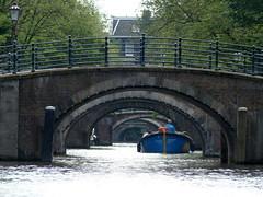 Über 7 Brücken musst du gehen-- seven bridges (Anke knipst) Tags: amsterdam holland niederlande netherlands gracht brücken bridges boot boat