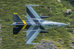 3C4A2727 (Danny Jones' Photography) Tags: baf belgian belgium airforce stinger 1squadron 1stsquadron f16 fighterjet fighterpilot fightingfalcon lowlevel machloop northwales cadwest cad cadeast talyllyn dollgellau machynlyth warmachine special scheme