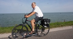 2017-06-21 23.17.34 (2) (walterkolkma) Tags: westfiresland fietsen bikes biking netherlands holland landscapes bicycles cycling enkhuizen dijk dike dromedaris koepoort sonyilce6300