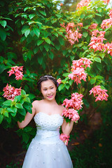 Flowers (Sài gòn-01665 374 974) Tags: snor sony sigma photography photographer flickr digital new featured light art life colorful colour colours photoshop blend asia camera sweet lens artist amazing bokeh dof depthoffield blur 35mm portrait beauty pretty people woman girl lady person bride flowers garden trees leaves