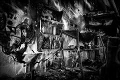 Cassé...Fondu.../ Broken...Melted.. (vedebe) Tags: abandonné architecture usinedésaffectée decay urbain urbex noiretblanc netb bw monochrome ville city rue street ur