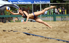 This ball is mine (Danny VB) Tags: sports beach volleyball joliette jolibeach leavingtheground fly flying beachdig sport action girl woman beachvolleyball canon 6d québec summer