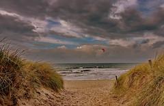 Ostsee (Wunderlich, Olga) Tags: ostsee mecklenburgvorpommern dars weg dünen dünengras segler rot himmel wolken wind wellen natur landschaft naturaufnahme ahrenshoop