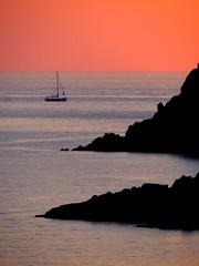 Tramonto con barca (ondaeoliana) Tags: tramonto sunset salina island eolie isoleeolie aeolianislands