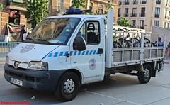 Policía Municipal Madrid (emergenciases) Tags: policía policiamunicipalmadrid seguridad 112 emergencias madrid ayuntamiento logística utm unidaddetransportedematerial bicis seguridadvial peugeot furgoneta vehículo 092