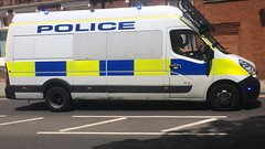 Hertfordshire Police Van Responding (slinkierbus268) Tags: hertfordshire hertfordshirepolice hertfordshireconstabulary police policevan bluelights sirens vauxhall movano
