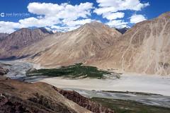 12-07-01 India-Ladakh (154) Río Nubra R01 (Nikobo3) Tags: asia india ladakd jammu kashmir kachemira karakorum himalayas panasonic panasonictz7 tz7 nikobo joségarcíacobo flickrtravelaward ngc paisajes viajes travel valledenubra