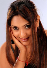 Indian Actress Ramya Hot Sexy Images Set-2 (12)