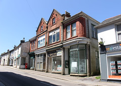 West End (Helen Orozco) Tags: westend redruth cornwall