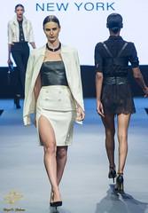 Anglų lietuvių žodynas. Žodis out of fashion reiškia iš mados lietuviškai.