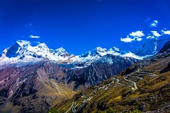 Another perspective of Mt. Huascarán with the Portachuelo pass switchbacks.