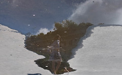 La bellezza in una pozza (emilype) Tags: dscf77161 reflection riflessi turista milano milan summer estate pozzanghera