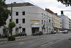 Mülheim an der Ruhr - Juni 2017 (borntobewild1946) Tags: copyrightbyberndloosborntobewild1946 mülheimanderruhr stadtmitte ruhrgebiet nrw nordrheinwestfalen commerzbank kaiserstrasse kaiserplatz