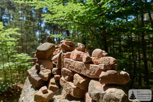 Steinpyramiden beim Leininger Burgenweg