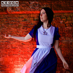 IMG_2429.jpg (Neil Keogh Photography) Tags: fantasy books aliceinotherlands alicemadnessreturns films disney boots lace fiction blue gardens necklace alice nwcosplayjunemeet2016 skirt arch bridge dress tights lewiscarroll tv stones red female green girl americanmcgeesalice aliceinwonderland cosplay alicethroughthelookingglass apron waltdisney black animation cosplayer colourgels cartoon white