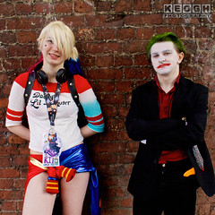 IMG_2442.jpg (Neil Keogh Photography) Tags: gloves gangboss dc gangster thejoker shirt gun comics blade clownprinceofcrime arkhamcity psychopath videogames arkhamasylum green nwcosplayjunemeet2016 batman bluegold suicidesquad pants movies arkhamorigins hotpants manga puddin films knife arkhamknight harleyquinn dccomics jacket red joker psycho male animation playingcards criminal suit misterj cosplay boots black daddyslittlemonster cosplayer top tshirt white