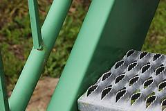 Antiglisse (Pi-F) Tags: vert métal anti glisse marche escalier tuve dof diagonale dent