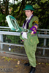 IMG_1751.jpg (Neil Keogh Photography) Tags: gloves tie dccomics theriddler shirt bowlerhat pants tv jacket questionmark videogames film male boots purple batman suit manchestersummerminicon cosplay cosplayer black green glasses comics walkingcane white