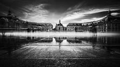 Transit à Bordeaux (MASSILIA MC) Tags: bordeaux pentax france noiretblanc blackandwhite j2mc massiliamc city urbain urban reflet reflection