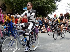 DSCN2088 (IantoJones2006) Tags: fremont solstice cyclists 2017 naked bike seattle parade nude painted body paint bicycle