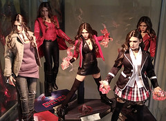 Scarlet Witches (becauseBATMAN) Tags: scarlet witch hot toys figure 16 elizabeth olsen liz collectible collection one sixth stand