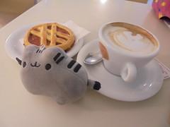 023 (en-ri) Tags: colazione breakfast tortina sony sonysti cappuccino bar pupazzino gatta cat miao pusheenthecat