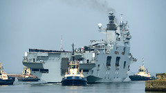 HMS Ocean (L12)_7060116 (Jonathan Irwin Photography) Tags: hms ocean l12 arriving onto river wear for last time
