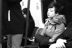 In the Tube (Thibaut Ghils) Tags: london londres canon canon7d 7d 50mm sigma citylife monochrome blackandwhite street uk