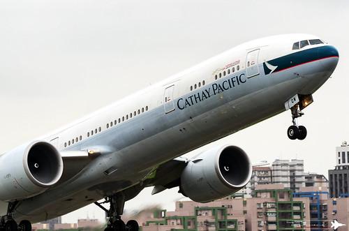 Boeing 777-367(ER) | B-KQW | KHH