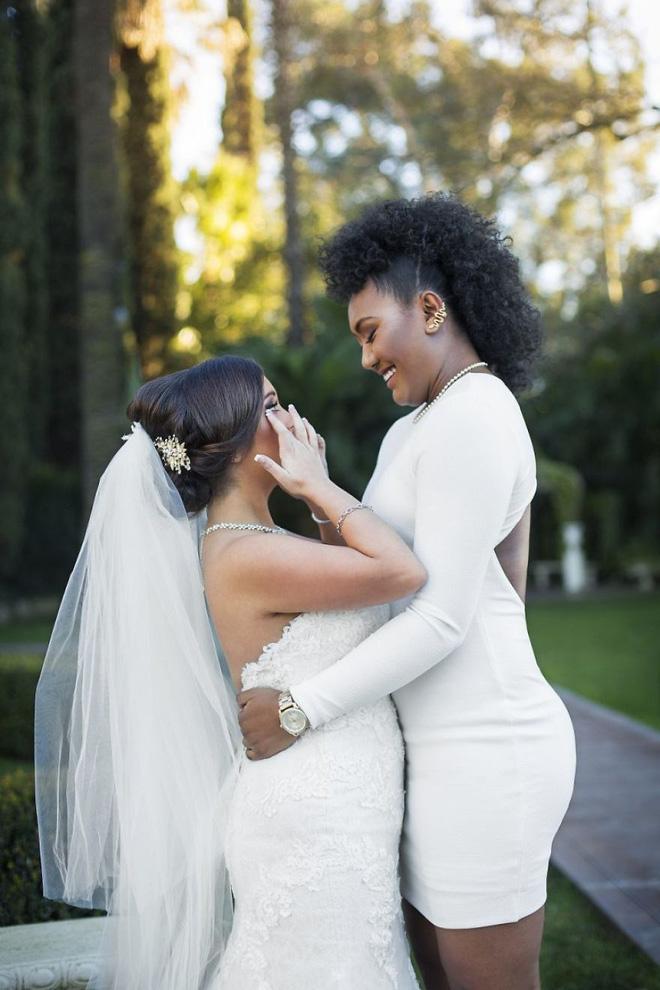 19 khoảnh khắc đám cưới đồng tính tuyệt đẹp khiến con người ta thêm niềm tin vào tình yêu - Ảnh 35.